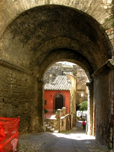 11 Porta Romana_a