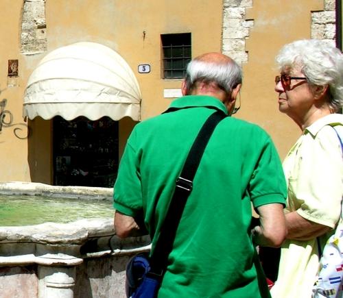 6 Turisti con fontana